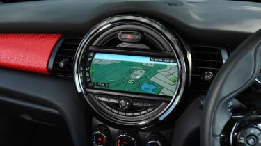 MINI Cooper 5-Door - infotainment