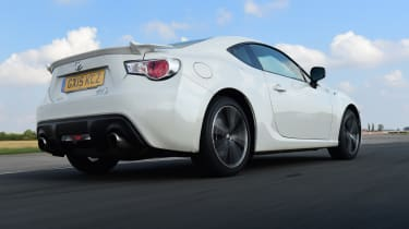Toyota GT86 rear tracking