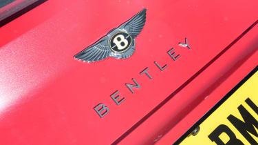 Bentley Continental GT V8 - Bentley badge
