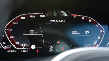 BMW M440i xDrive - dials