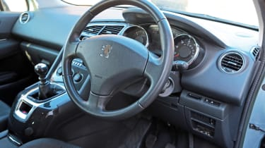 Used Peugeot 5008 - steering wheel