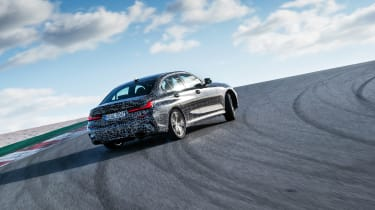 BMW M340i xDrive prototype - rear panning