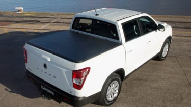 SsangYong Musso EX - rear static