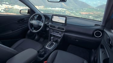 Hyundai Kona hybrid - cabin
