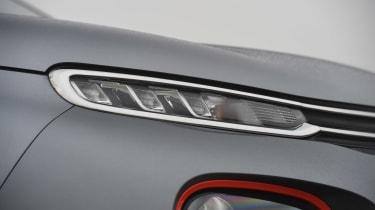 Hyundai Kona - front light