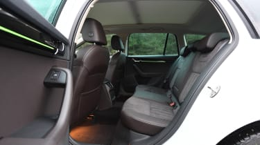 skoda octavia estate rear seats legroom