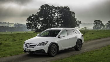 Vauxhall Insignia Country Tourer front static