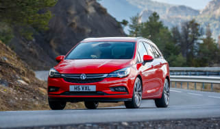 New Vauxhall Astra Sports Tourer - front cornering