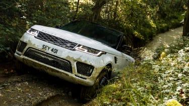 Range Rover Sport PHEV - front uphill