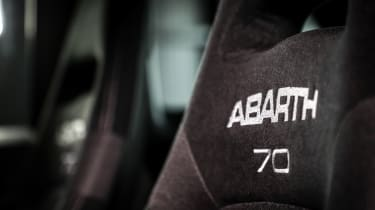 Abarth 595 Pista - seats