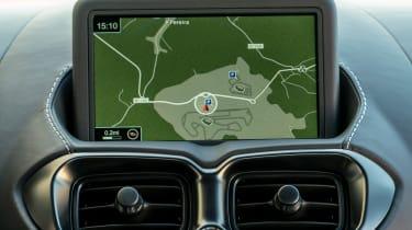 Aston Martin Vantage - sat-nav