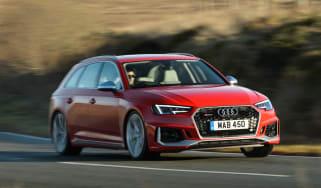 Audi RS 4 Avant - front cornering