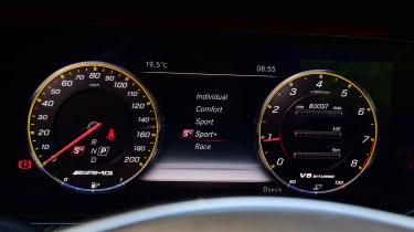 Mercedes-AMG E 63 S - dials
