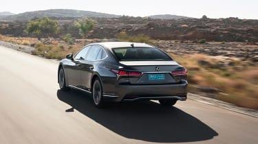 Lexus LS 500h - rear action