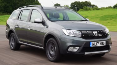 Triple test - Logan MCV Stepway - front