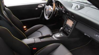 Porsche 911 Edition 918 Spyder interior