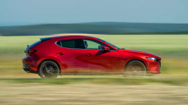 Mazda 3 SkyActiv-X - side action