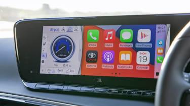 Toyota Mirai - Apple CarPlay