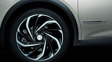 DS 7 Crossback E-Tense alloy wheels