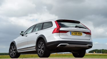 Volvo V90 Cross Country - rear left ground