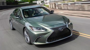 Lexus ES - front tracking