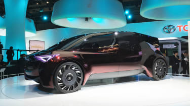 Toyota Fine-Comfort Ride concept - Tokyo front/side
