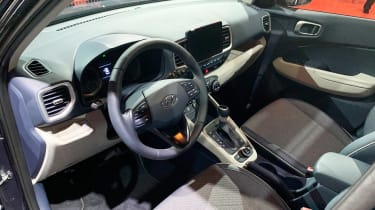 Hyundai Venue - New York dash