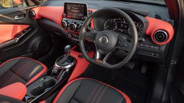 Nissan Juke - cabin