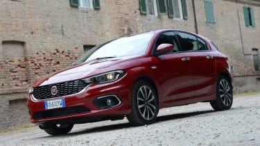 Fiat Tipo hatch 2016 - front quarter