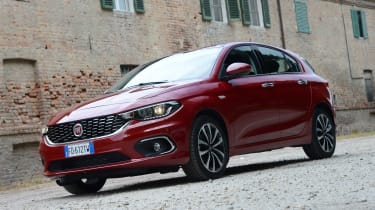 Fiat Tipo hatch 2016 - front quarter