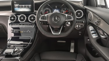 Mercedes GLC 250 - dash