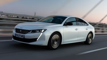 Peugeot 508 Hybrid - front tracking