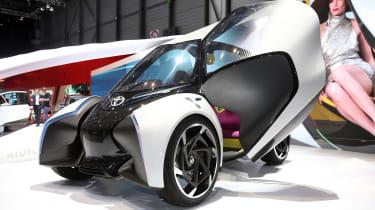 Toyota i-Tril concept Geneva - front door open