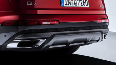 Audi Q7 - studio exhausts