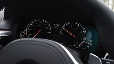 BMW 5 Series 520d xDrive 2017 - instruments