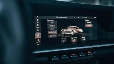 Porsche 911 - infotainment