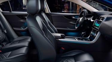 Jaguar XE - seats