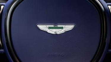 Aston Martin DB11 V8 - badge