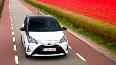 Toyota Yaris - front tracking