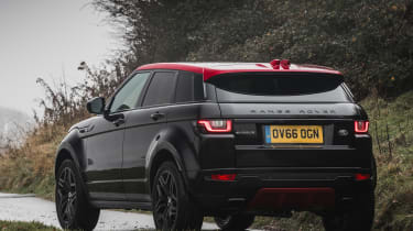 Range Rover Evoque Ember - rear tracking