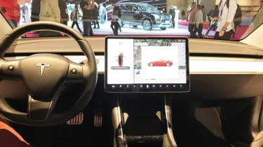 Tesla Model 3 Performance - Paris dash