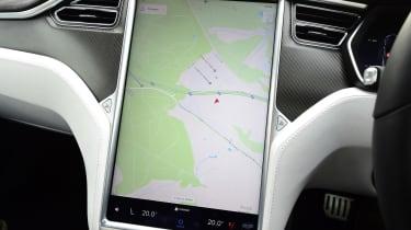 Tesla Model S - sat-nav