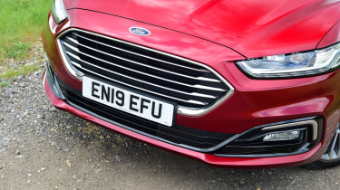 Ford Mondeo Hybrid Estate - grille