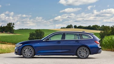 BMW 3 Series Touring - side static