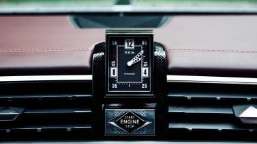 DS 9 - clock