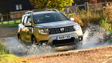 Dacia Duster - front off-road