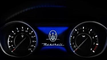 Maserati Levante Trofeo - dials