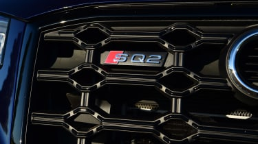 Audi SQ2 - grille badge