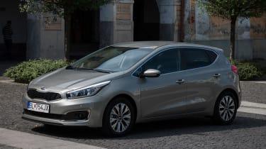 Kia Cee'd 2015 facelift - front three quarter