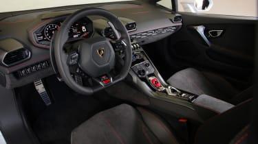 Lamborghini Huracan LP 610-4 2014 interior
